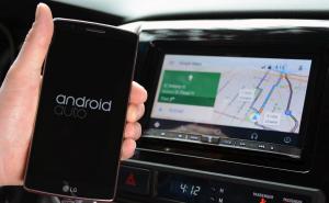 Usare smartphone Android alla guida