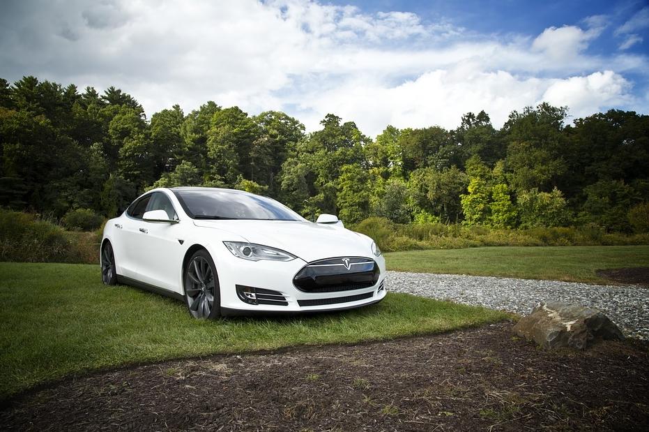 Tesla autopilot, come funziona?